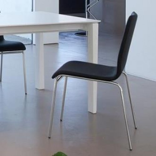 Domitalia Jude szék